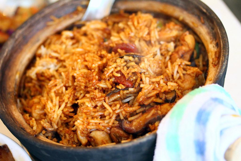 Le Chasseur: Claypot Rice