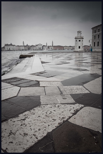 rain in venice by hans van egdom