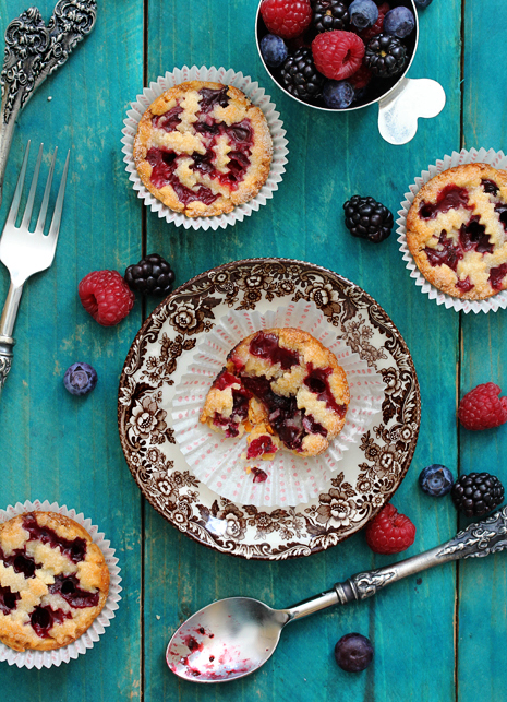 Mini-Mixed-Berry-Pie-Bakers-Royale1