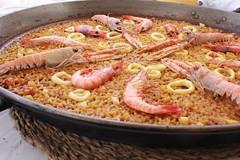 seafood boil(0.0), kabsa(0.0), paella(1.0), food(1.0), dish(1.0), cuisine(1.0),