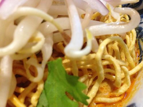 カオソーイ 揚げ麺