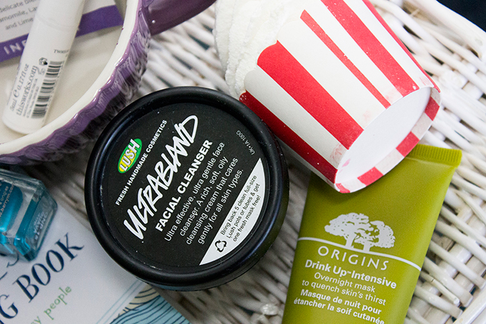 De Stress Routine: Lush Ultrabland, Origins Drink Up Intensive Mask and Bomb Cosmetics Ginger Blaster Candy Cane Cocoa Swirl