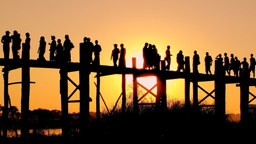 bridge sunset lake silhouette skyline burma myanmar mandalay amarapura ubein teakwood taungthaman peterch51