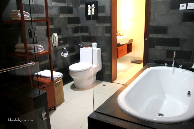 Rama Beach Resort and Villas Bali Premier Deluxe Cottage Toilet and Bath