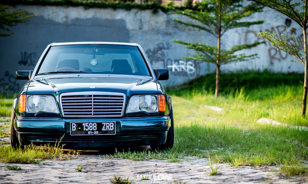 Mercy-W124-darkgreen_09