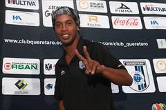Ronaldinho sigue siendo un hombre con fútbol, dice el técnico del Querétaro