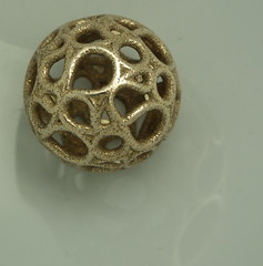 A 3D printed compound of five hamiltonian circuits on a rhombicosidodecahedron