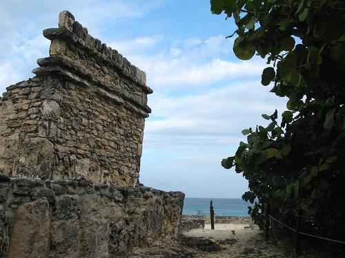 Templo del Alacrán: Yamil Lu'um