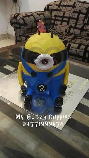 Cake by Glitzy Cuppies of MS Glitzy Cuppies
