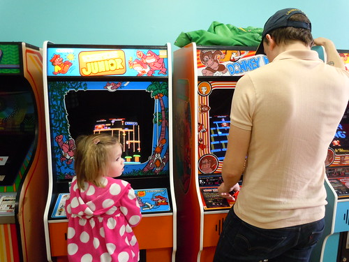 04-21-12 Rusty Quarters Arcade, Minneapolis, MN (Donkey Kong Players)