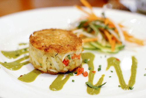 jumbo lump crab cake fresh blue crab, carrot salad, chipotle aioli