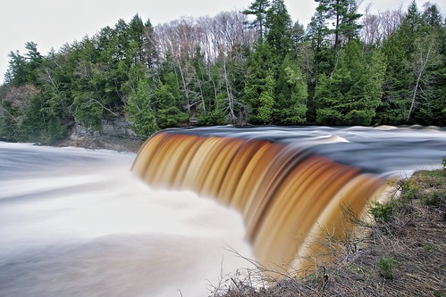 longexposure usa blur nature water rain flow one evening waterfall spring midwest view unitedstates michigan tourist foam upperpeninsula vantage 30seconds tahquamenonfalls runoff tahquamenonstatepark northernmichigan tahquamenonriver lucecounty tannin michiganstatepark neutraldensityfilter colorefex niksoftware nd106 tonalcontrast viveza 49768 brilliancewarmth