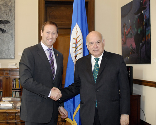 OAS Secretary General Receives Minister of Defense of Canada