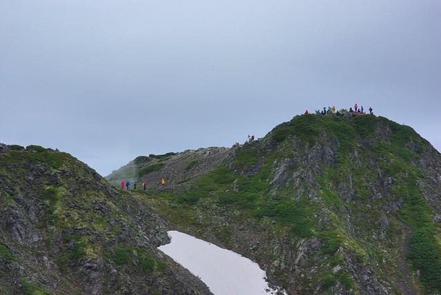 仙丈ヶ岳山頂を望む