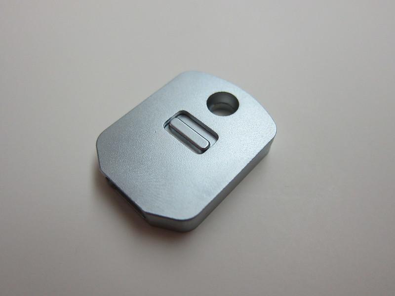 Bluelounge Kii - Keychain Cap (Self-Locking)