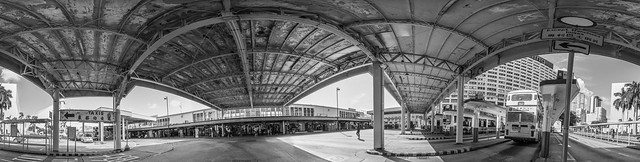 尖沙咀天星碼頭巴士總站 Bus Terminal, Star Ferry Pier, Tsim Sha Tsui / 香港人流建築360度全景 Hong Kong Human Logistics Architecture 360-degree Panorama / SML.20130808.6D.26177-SML.20130808.6D.26189-Pano.i12.360x96.BW