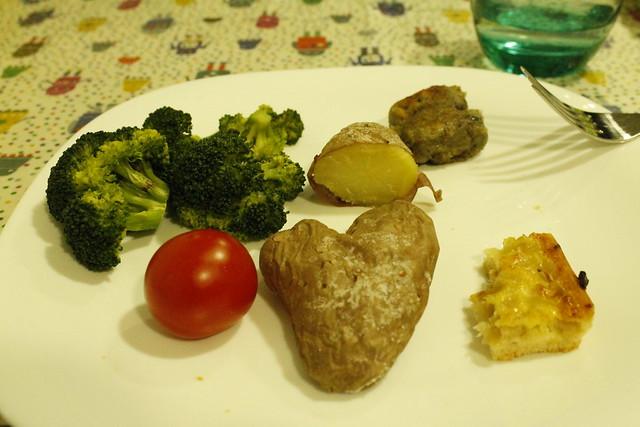 corazó de patata - coca de cebolla - verduras al vapor - brocoli - tomate cherrie