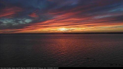 Good Night from West Island by MLBaron westislandweather.com