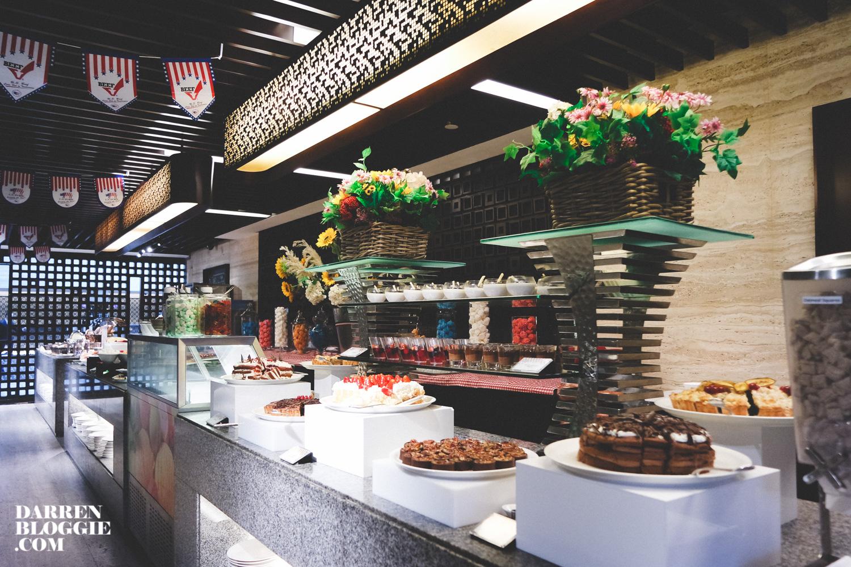 SAM_7052_mandarin_orchard_big_american_buffet_at_triple_three