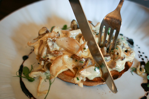 Posh mushrooms on toast