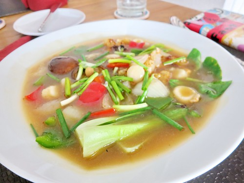 Stir-fried rice noodle with scallop sauce at Al Hamra Restaurant