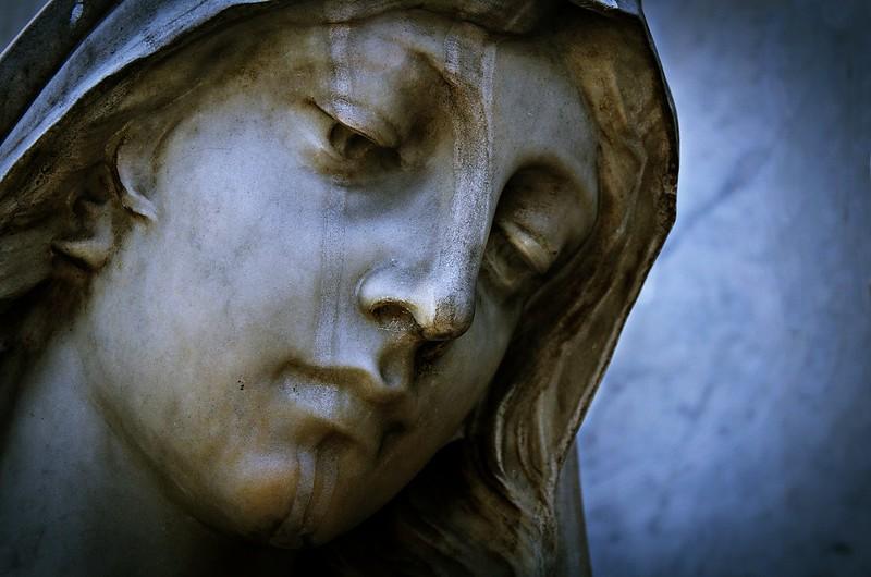 """""""Mi alma es una huérfana loca, que anda de tumba en tumba buscando el amor de los muertos.""""  -  Teresa Wilms Montt."""