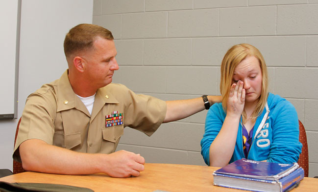 Marine-Surprises-Daughter-09