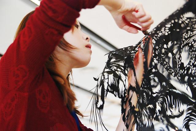 Paper-Cut-Sculpture-Cloud-Leopard-Nahoko-Kojima-LeBeffroi-Paris06