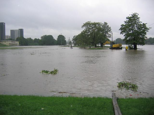 Vorbereitungen - Abbau des Elbspielplatzes Johannstadt
