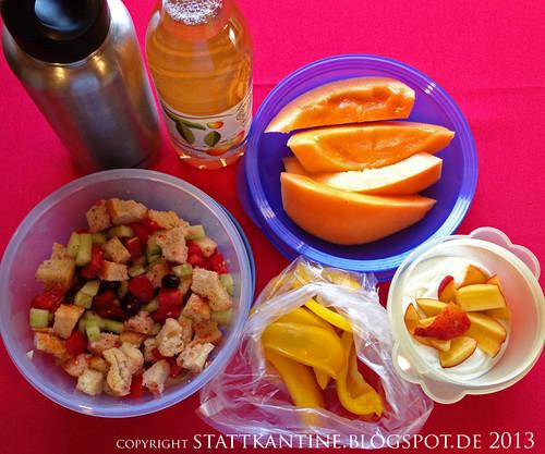 Stattkantine 19. Juni 2013 - Panzanella, Honigmelone, Joghurt mit frischen Pfirsichen