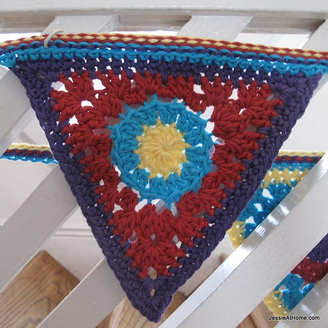 circle-to-triangle-free-crochet-tutorial