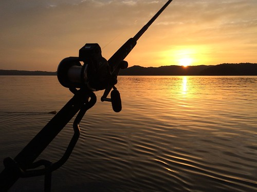 sunrise fishing lakecumberland