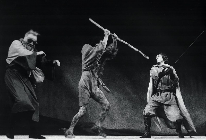 Shakespeare Fight scene King Lear Alexander Barnett Classic theatre International.jpeg