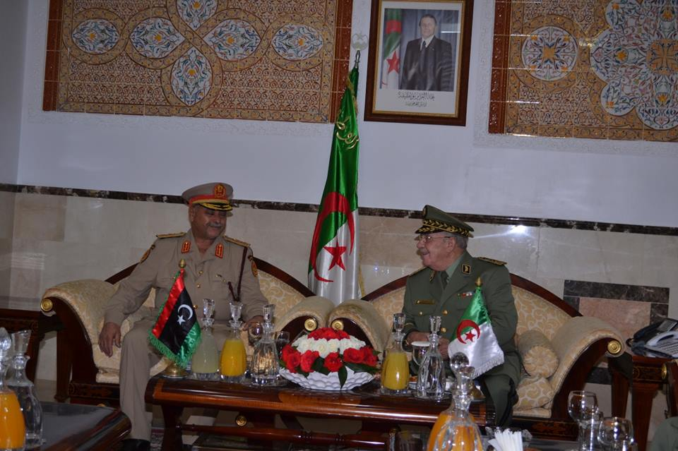 الجزائر : صلاحيات نائب وزير الدفاع الوطني - صفحة 5 30149204514_053bd5415e_o