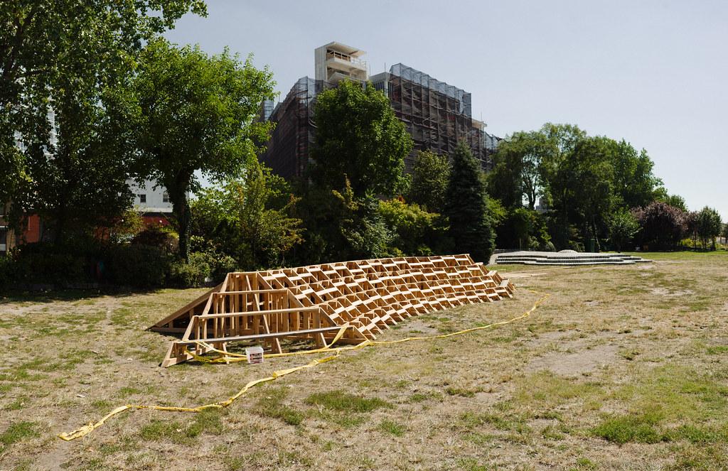 Socrates sculpture park eaf16 installation in progress