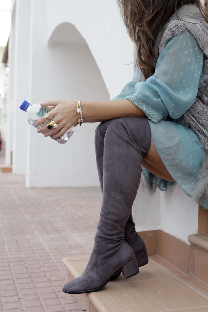 015_vestido_turquesa_y_botas_altas_girses_casual_look_theguestgirl_fashion_blogger_barcelona