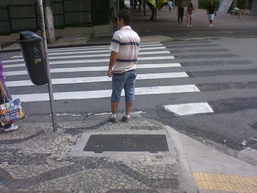 Faixa repintada da rua São Carlos do Pinhal