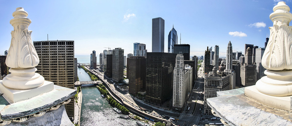 Panoramic view over downtown Chicago from Wrigley Building