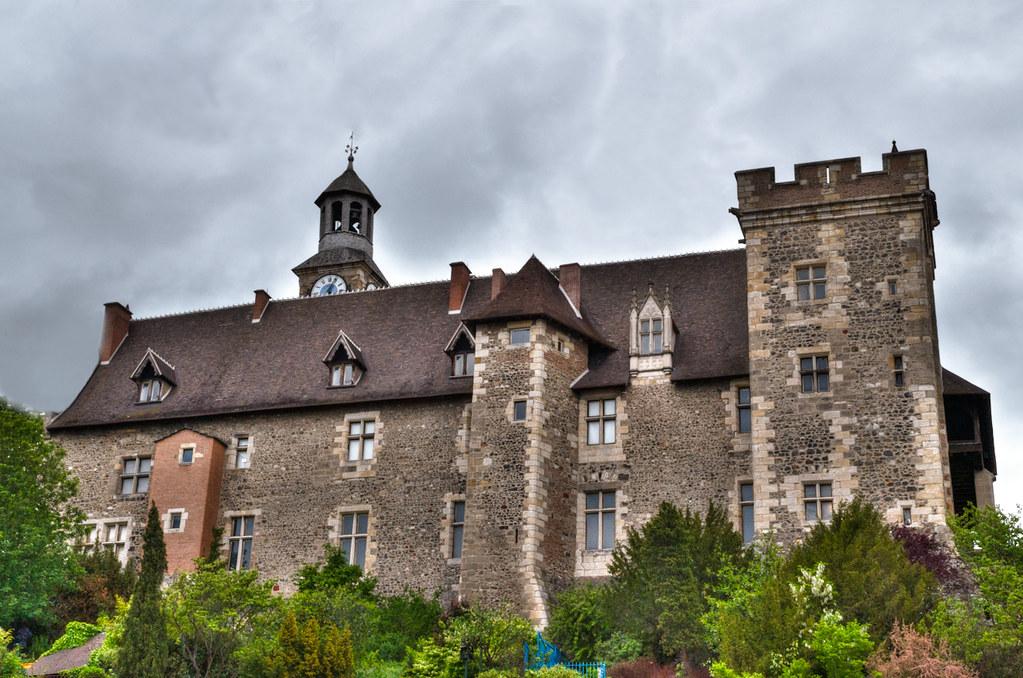 château de Montluçon... [EDIT] sans la barrière bleue 7396625046_6ed28cf5e2_b