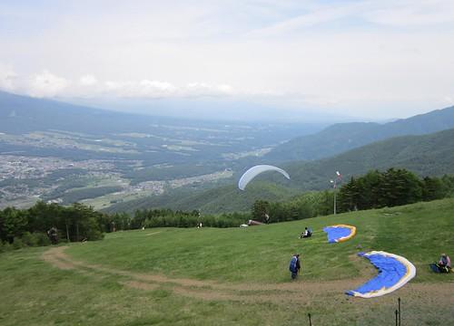 入笠スズラン公園近くのパラグライダー 2012年6月23日 by Poran111