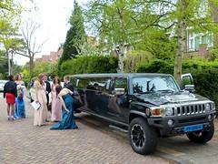 sport utility vehicle(0.0), automobile(1.0), vehicle(1.0), hummer h3(1.0), land vehicle(1.0), luxury vehicle(1.0), limousine(1.0),