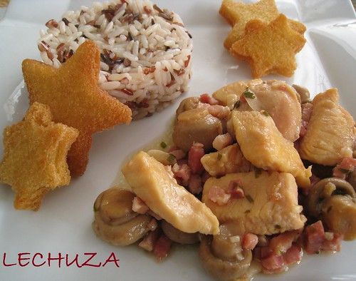 POLLO CON CHAMPIS Y BACON AL AJILLO (28)