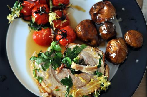 Porchetta med tomater og kartofler