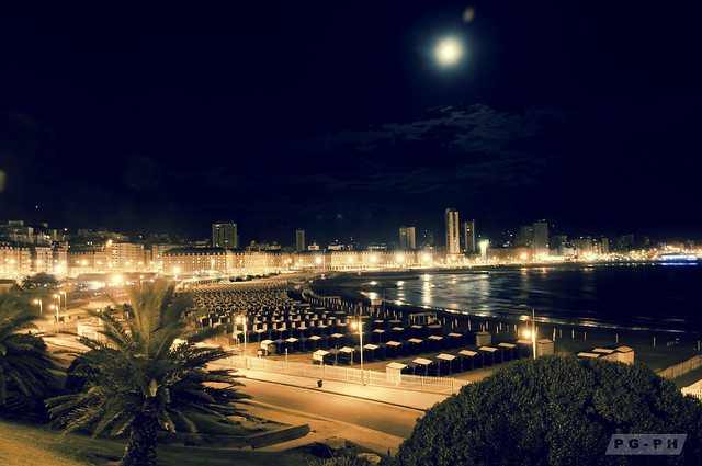 The Moon, the City and the Sea