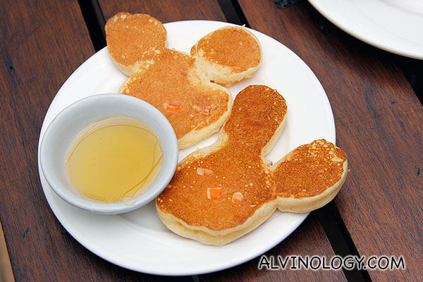 Bunny-shaped pancakes for Asher