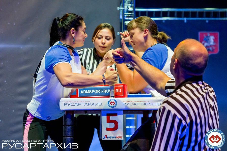 Irina Gladkaya vs. Egle Vaitkute │A1 RUSSIAN OPEN 2013, Photo Source: armsport-rus.ru