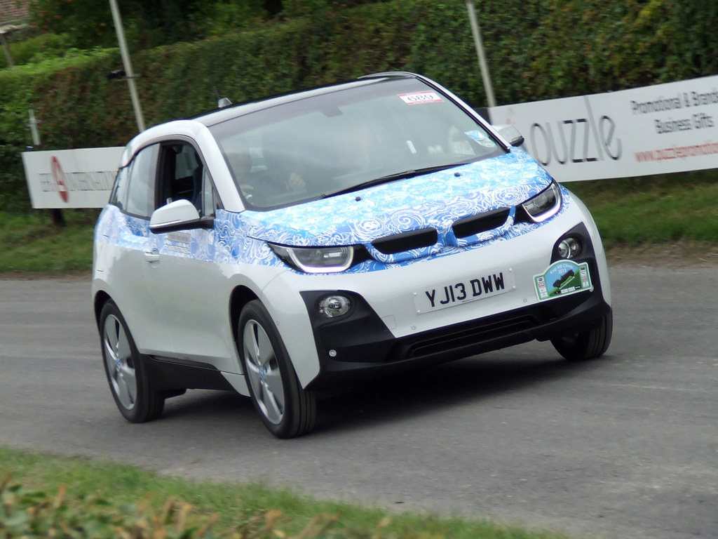 bmw i3 in white bmw i3 forum. Black Bedroom Furniture Sets. Home Design Ideas