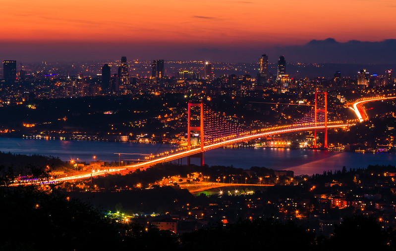 Bosphorus Bridge - Red or Blue?