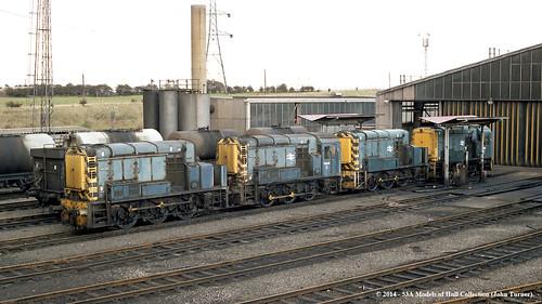 train diesel sheffield railway ti britishrail hump southyorkshire shunter tmd tinsley 13003 13001 class13 d4500 d4502