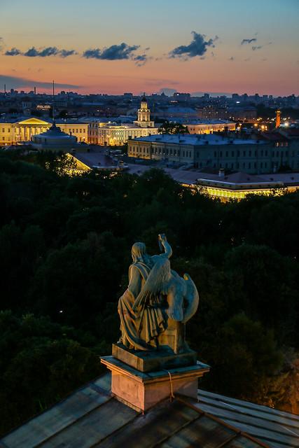 Illuminated city view from Saint Isaac's Cathedral, Saint Petersburg, Russia サンクトペテルブルク、イサク聖堂から夕焼けとライトアップを眺める